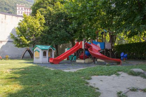 Asilo infantile Pont-Saint-Martin esterno